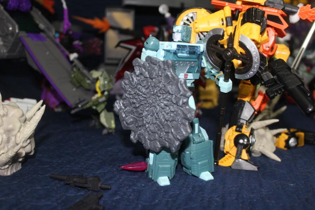 Vos montages photos Transformers ― Vos Batailles/Guerres | Humoristiques | Vos modes Stealth Force | etc - Page 16 312
