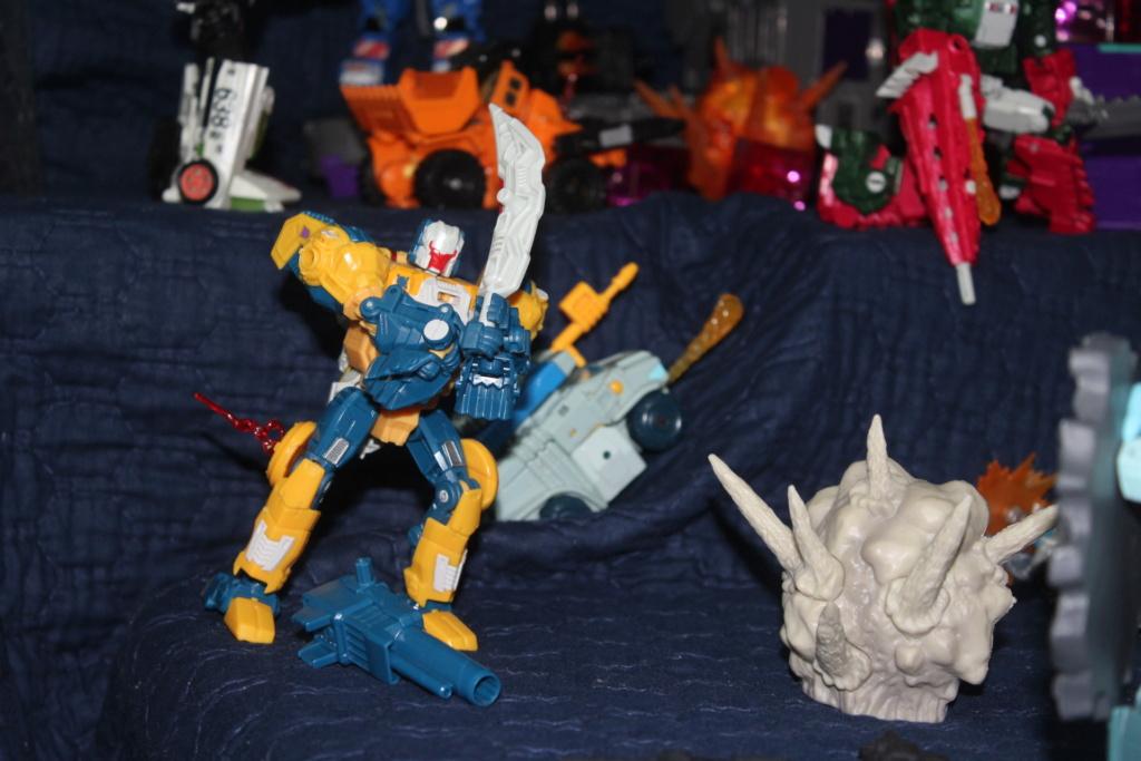Vos montages photos Transformers ― Vos Batailles/Guerres | Humoristiques | Vos modes Stealth Force | etc - Page 16 412