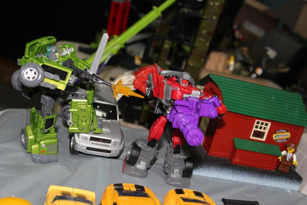 Vos montages photos Transformers ― Vos Batailles/Guerres | Humoristiques | Vos modes Stealth Force | etc - Page 15 4310