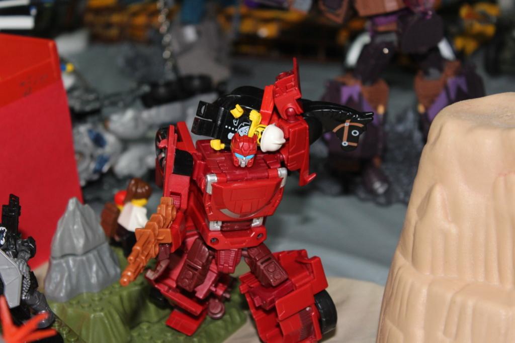 Vos montages photos Transformers ― Vos Batailles/Guerres | Humoristiques | Vos modes Stealth Force | etc - Page 15 8010
