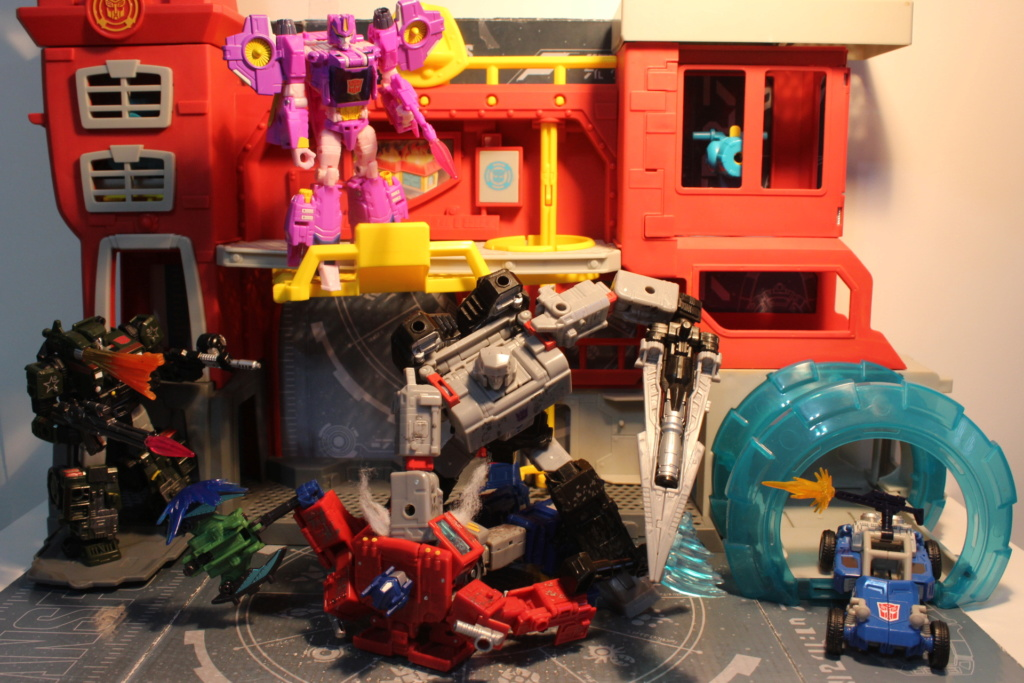 Vos montages photos Transformers ― Vos Batailles/Guerres | Humoristiques | Vos modes Stealth Force | etc - Page 14 Img_1025