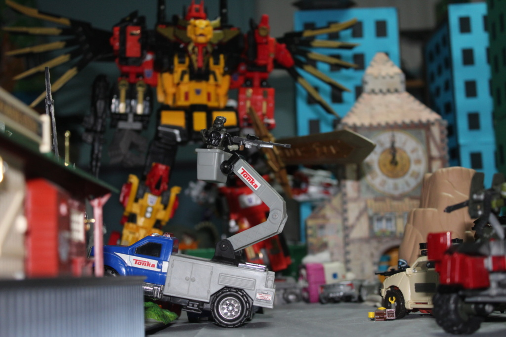 Vos montages photos Transformers ― Vos Batailles/Guerres   Humoristiques   Vos modes Stealth Force   etc - Page 15 Img_1322