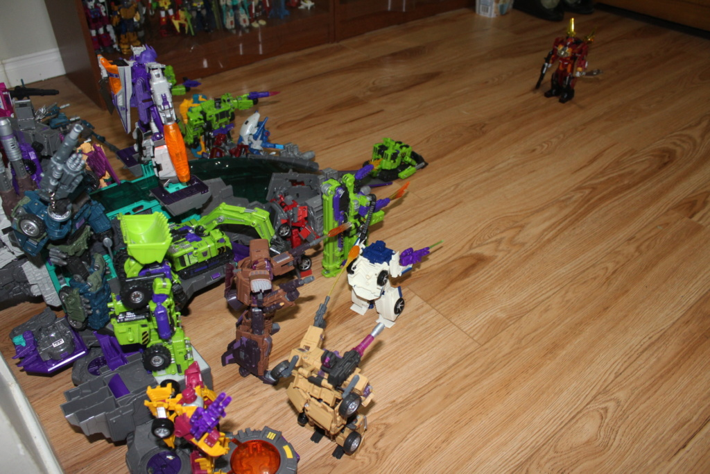 Guerres Transformers! Montrez-moi vos batailles et guerres épiques en photo ici. - Page 8 Img_2712