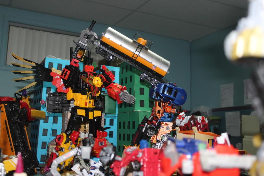Vos montages photos Transformers ― Vos Batailles/Guerres   Humoristiques   Vos modes Stealth Force   etc - Page 15 Img_3211