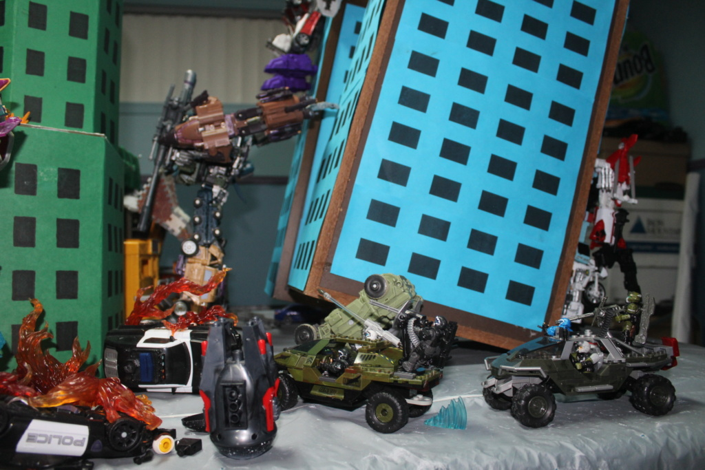 Vos montages photos Transformers ― Vos Batailles/Guerres | Humoristiques | Vos modes Stealth Force | etc - Page 15 Img_3516
