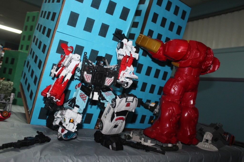Vos montages photos Transformers ― Vos Batailles/Guerres | Humoristiques | Vos modes Stealth Force | etc - Page 15 Img_3517