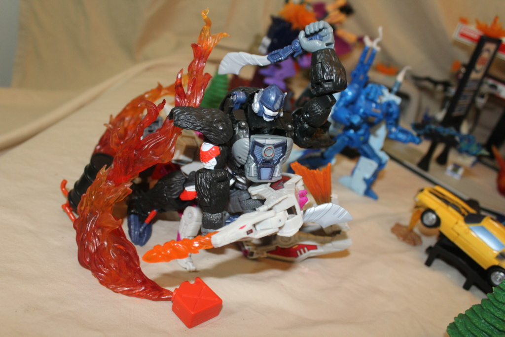 Vos montages photos Transformers ― Vos Batailles/Guerres | Humoristiques | Vos modes Stealth Force | etc - Page 17 Img_3615