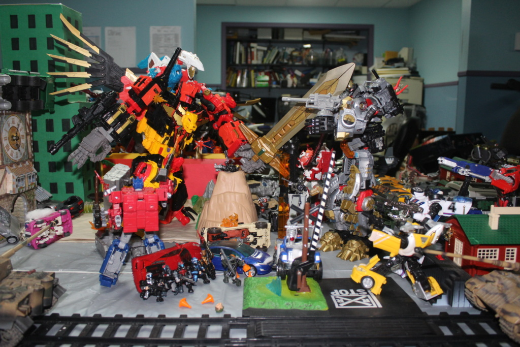 Vos montages photos Transformers ― Vos Batailles/Guerres | Humoristiques | Vos modes Stealth Force | etc - Page 15 Img_3811