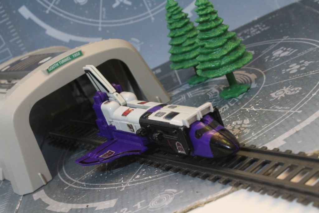 Vos montages photos Transformers ― Vos Batailles/Guerres | Humoristiques | Vos modes Stealth Force | etc - Page 15 Img_4124
