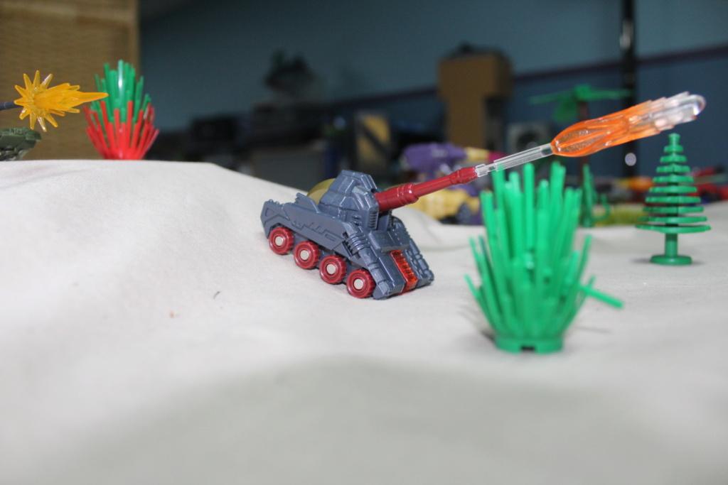 Vos montages photos Transformers ― Vos Batailles/Guerres   Humoristiques   Vos modes Stealth Force   etc - Page 15 Img_4214