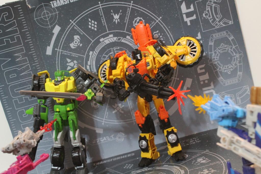 Guerres Transformers! Montrez-moi vos batailles et guerres épiques en photo ici. - Page 9 Img_4311