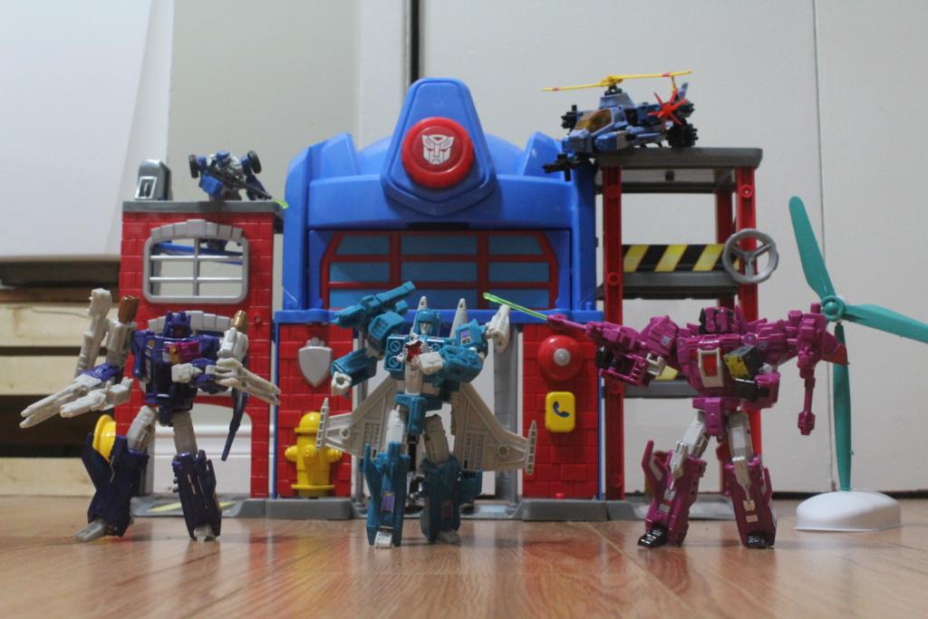 Vos montages photos Transformers ― Vos Batailles/Guerres | Humoristiques | Vos modes Stealth Force | etc - Page 14 Img_4411