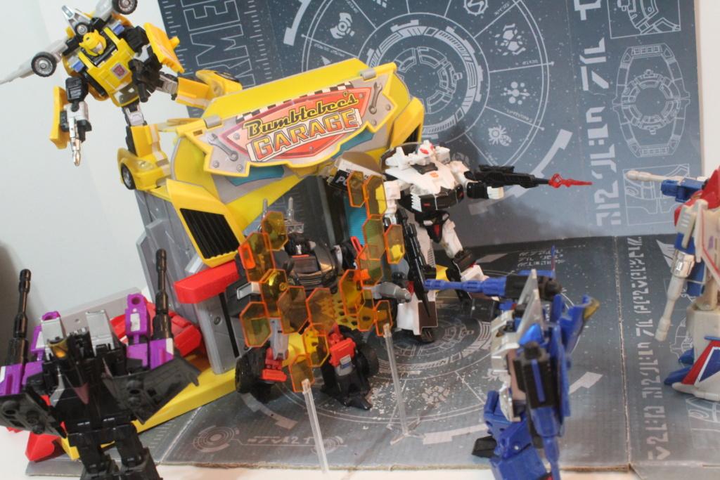 Guerres Transformers! Montrez-moi vos batailles et guerres épiques en photo ici. - Page 9 Img_4412