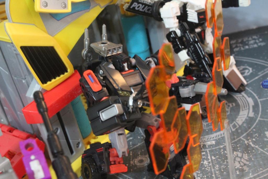 Guerres Transformers! Montrez-moi vos batailles et guerres épiques en photo ici. - Page 9 Img_4413