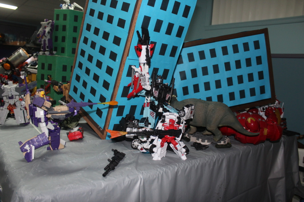 Vos montages photos Transformers ― Vos Batailles/Guerres | Humoristiques | Vos modes Stealth Force | etc - Page 15 Img_4710