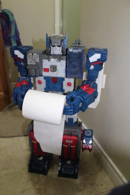 Guerres Transformers! Montrez-moi vos batailles et guerres épiques en photo ici. - Page 9 Img_4913