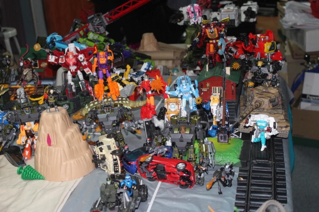 Vos montages photos Transformers ― Vos Batailles/Guerres   Humoristiques   Vos modes Stealth Force   etc - Page 15 Img_5112