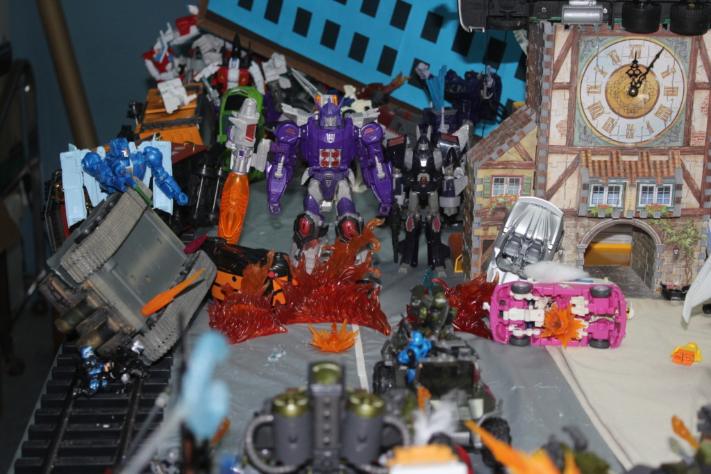Vos montages photos Transformers ― Vos Batailles/Guerres | Humoristiques | Vos modes Stealth Force | etc - Page 15 Img_5113