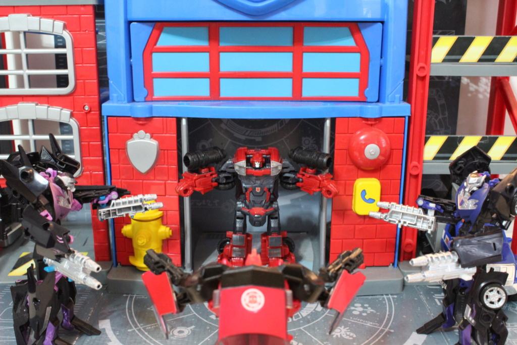 Vos montages photos Transformers ― Vos Batailles/Guerres | Humoristiques | Vos modes Stealth Force | etc - Page 14 Img_5210