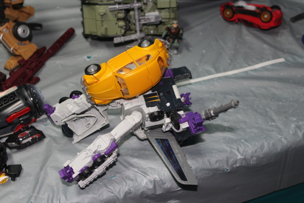 Vos montages photos Transformers ― Vos Batailles/Guerres | Humoristiques | Vos modes Stealth Force | etc - Page 15 Img_5211
