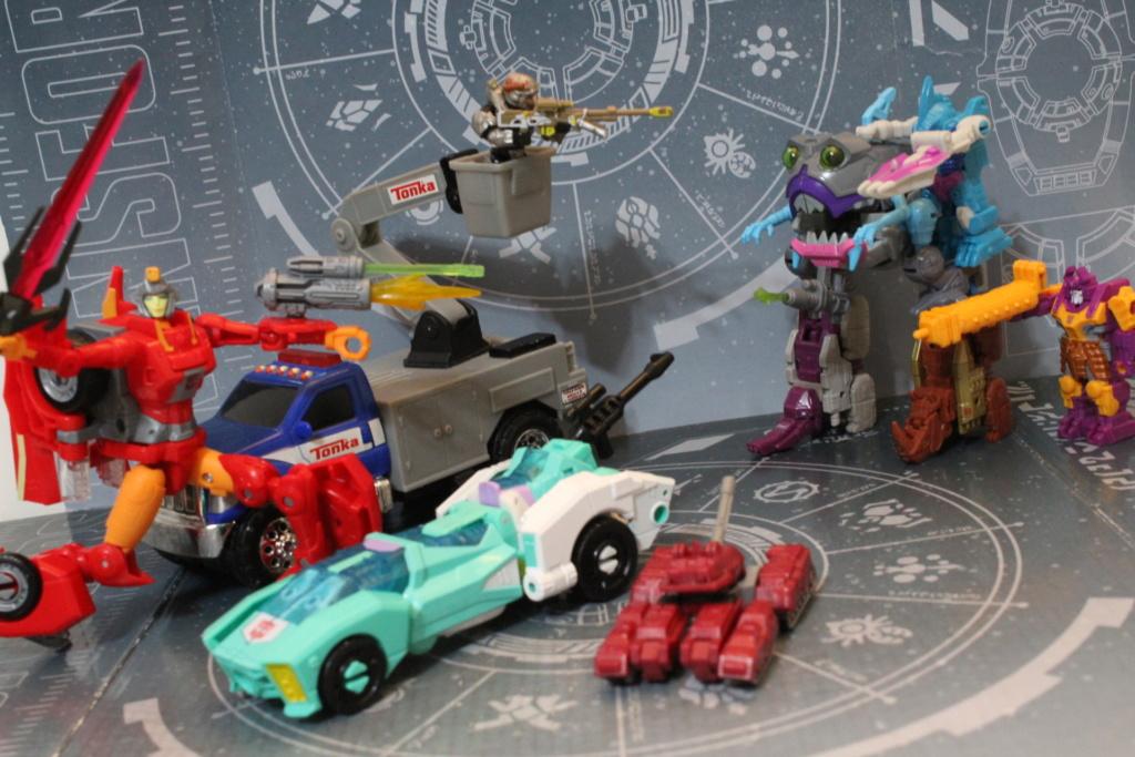 Guerres Transformers! Montrez-moi vos batailles et guerres épiques en photo ici. - Page 8 Img_5613