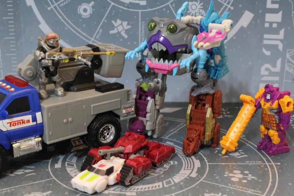 Guerres Transformers! Montrez-moi vos batailles et guerres épiques en photo ici. - Page 8 Img_5614