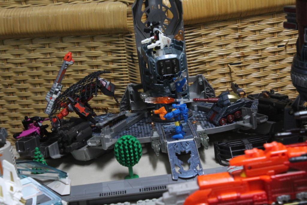 Guerres Transformers! Montrez-moi vos batailles et guerres épiques en photo ici. - Page 8 Img_6010