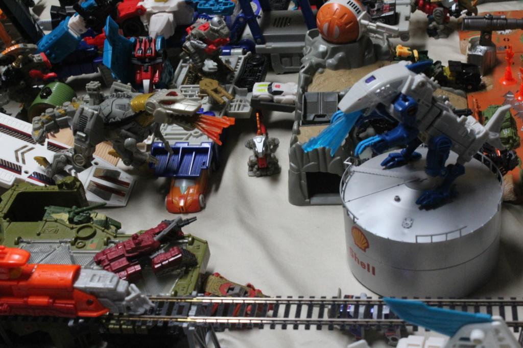 Guerres Transformers! Montrez-moi vos batailles et guerres épiques en photo ici. - Page 8 Img_6012
