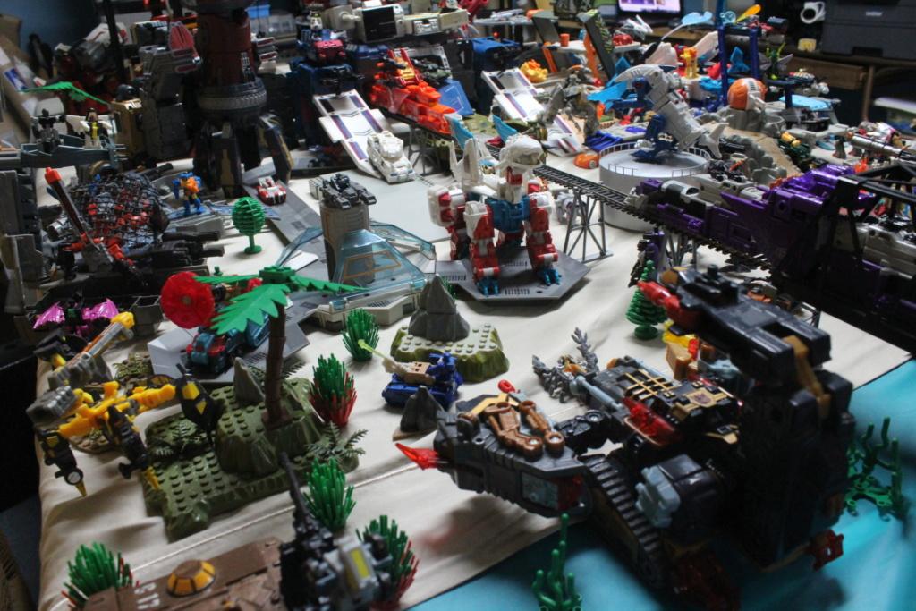 Guerres Transformers! Montrez-moi vos batailles et guerres épiques en photo ici. - Page 8 Img_6015