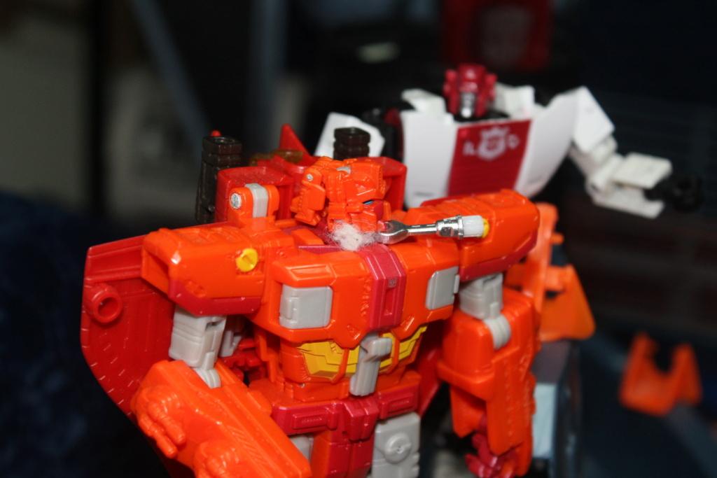 Vos montages photos Transformers ― Vos Batailles/Guerres | Humoristiques | Vos modes Stealth Force | etc - Page 17 Img_7813