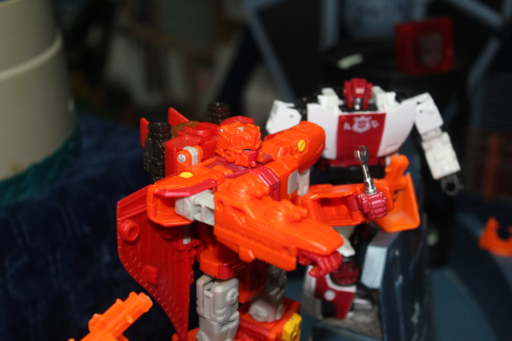 Vos montages photos Transformers ― Vos Batailles/Guerres | Humoristiques | Vos modes Stealth Force | etc - Page 17 Img_7814