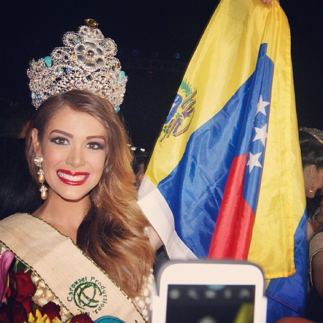 Alyz Henrich -  The Official Thread of MISS EARTH® 2013 Alyz Henrich Venezuela  5a1cf010