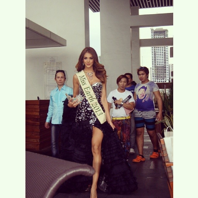 The Official Thread of MISS EARTH® 2013 Alyz Henrich Venezuela  - Page 2 D9fba710