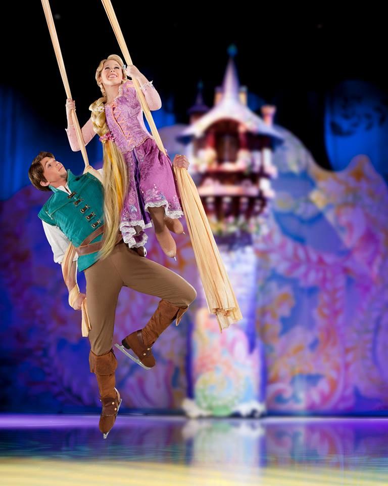 Disney sur Glace  - Page 3 12383310