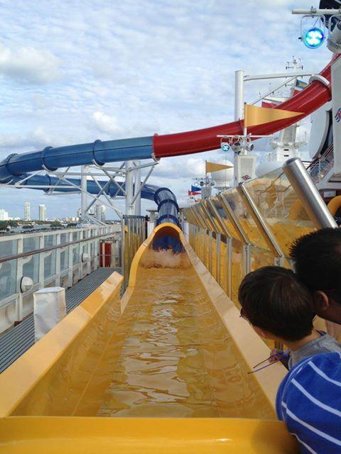 Disney Cruise Line,  Les Croisières  Disney - Page 15 13782510
