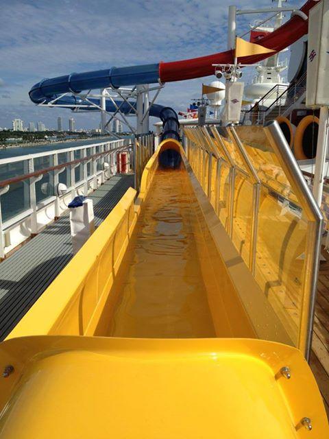 Disney Cruise Line,  Les Croisières  Disney - Page 15 13812911
