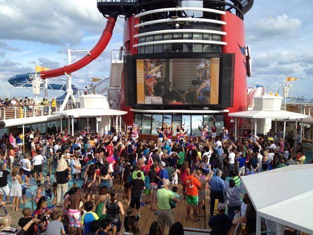 Disney Cruise Line,  Les Croisières  Disney - Page 15 13936310
