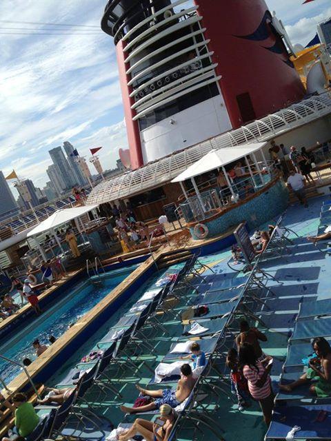 Disney Cruise Line,  Les Croisières  Disney - Page 15 13944710