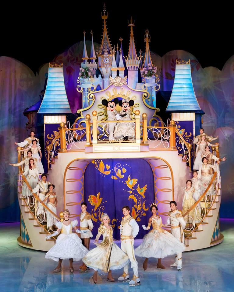 Disney sur Glace  - Page 3 14244010