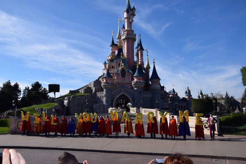 Demande en Mariage à Disneyland Paris !  19079610
