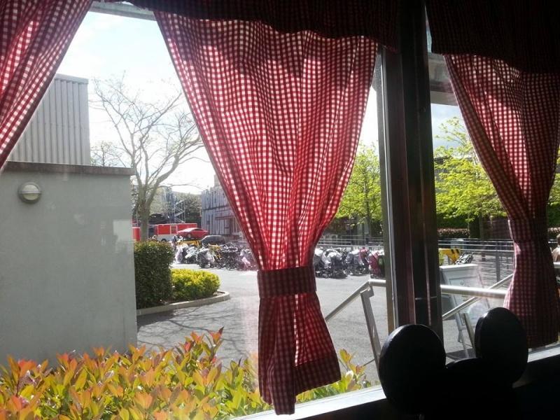 Le Café des Cascadeurs - Page 8 525