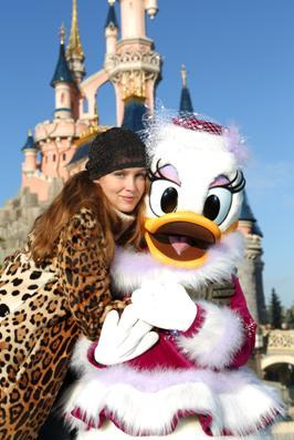 Laetitia Casta à Disneyland Paris 61472210