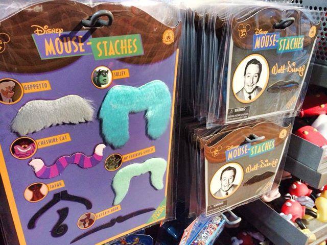Le Merchandising sur les parcs Disney dans le monde - Page 8 64447910