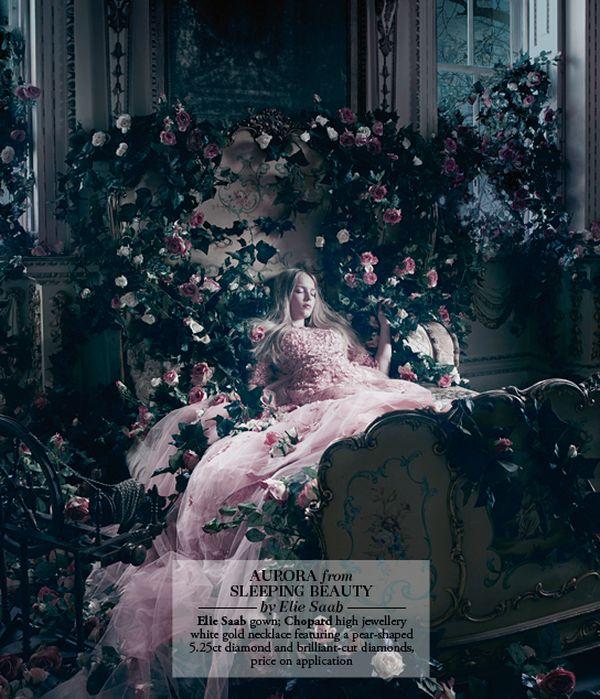 Les princesses Disney en haute couture pour le Harrods Magazine. La-bel14