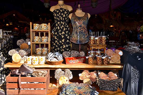 Le Merchandising sur les parcs Disney dans le monde - Page 7 Mls11810