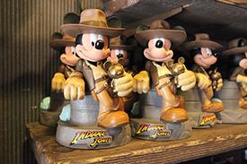 Le Merchandising sur les parcs Disney dans le monde - Page 7 Mls44810