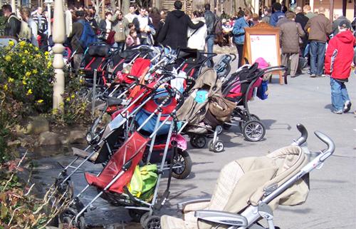 vol de poussette à Disneyland Paris. Pousse10