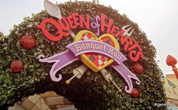 Tokyo Disneyland - Page 31 Queen-10