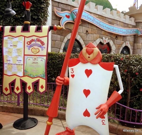 Tokyo Disneyland - Page 31 Queen-11