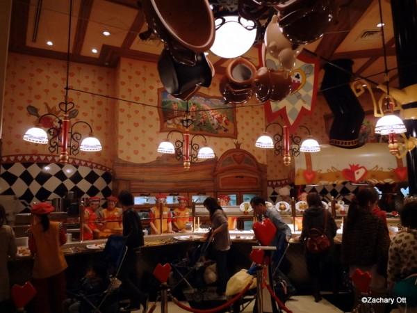 Tokyo Disneyland - Page 31 Queen-14